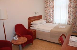 Dubbelrum med 140 cm säng